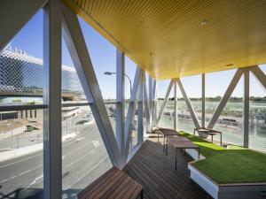 Indoor/outdoor space in the AHMS building overlooking SAHMRI